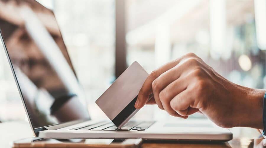 Anvanda kreditkort online